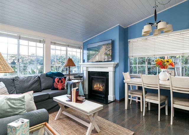 Ventura CA Vacation Rental Blue walls recall