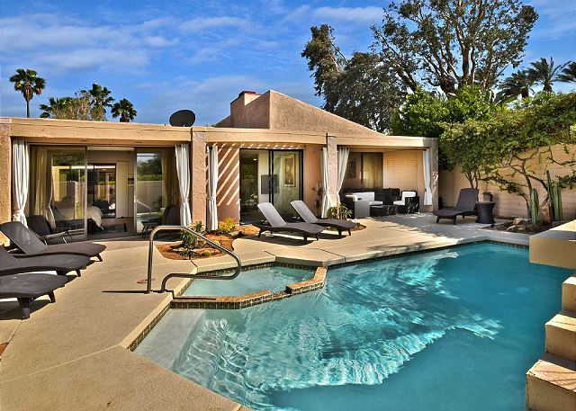 Palm Springs CA Vacation Rental Curl up on