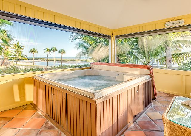 Fort Myers Beach FL Vacation Rental The screened lanai