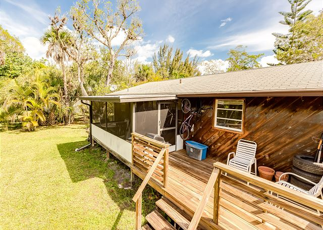 Sanibel FL Vacation Rental The back deck
