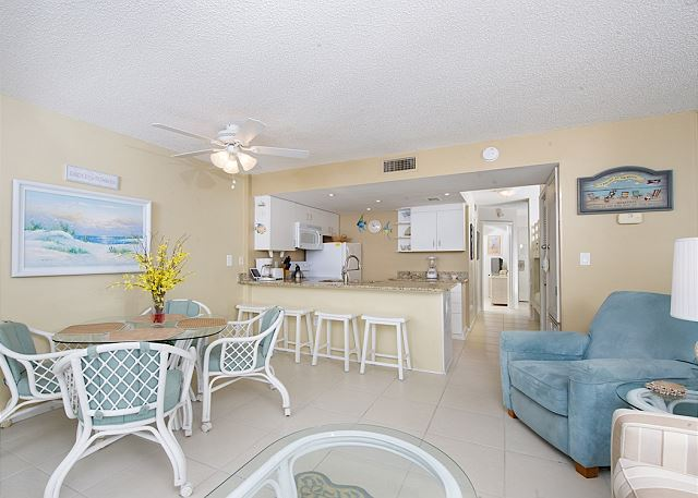 Gulf Shores AL Vacation Rental Bar seating for