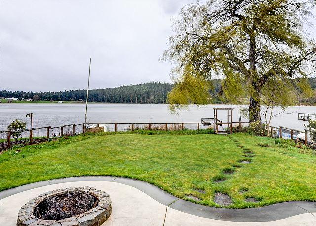 Langley WA Vacation Rental A flagstone path