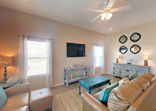 Rockport TX Vacation Rental Lounge on a