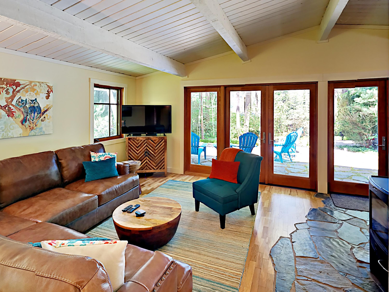 Bainbridge Island WA Vacation Rental Gorgeous hardwood floors