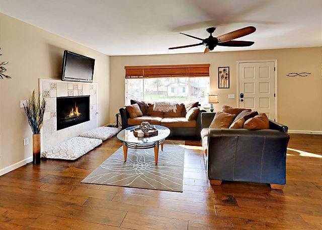 South Lake Tahoe CA Vacation Rental Hardwood floors expand