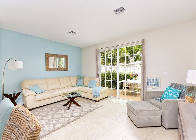Pompano Beach FL Vacation Rental A leather sectional