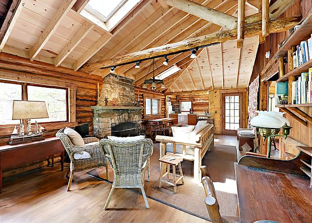 Boothbay Harbor ME Vacation Rental High ceilings frame
