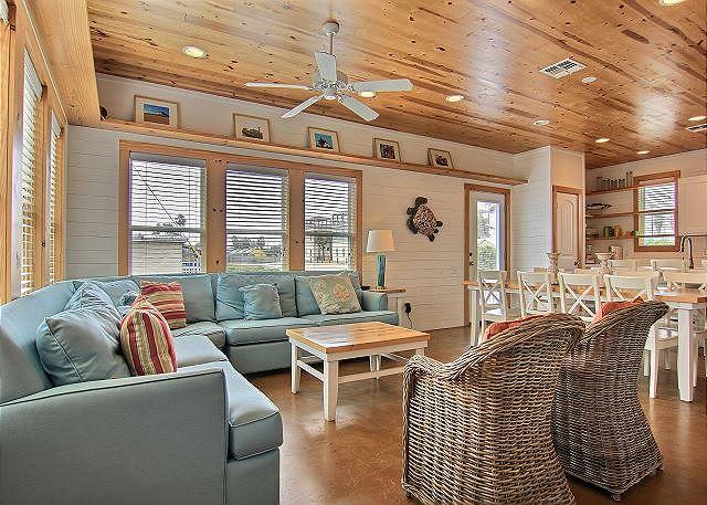 Port Aransas TX Vacation Rental The living room's