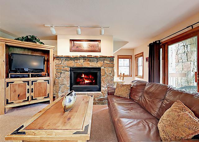 Breckenridge CO Vacation Rental Wood furnishings add