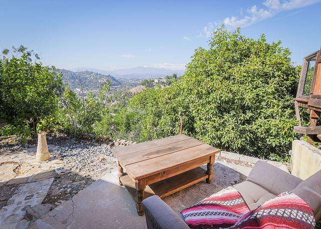 Los Angeles CA Vacation Rental Sweeping views from