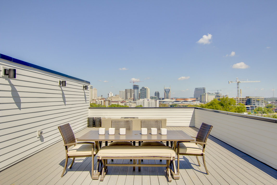 Nashville TN Vacation Rental The expansive rooftop