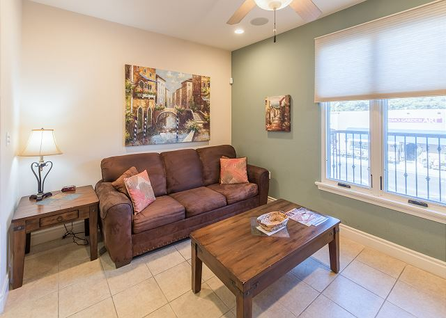 Pismo Beach CA Vacation Rental Seating for 3