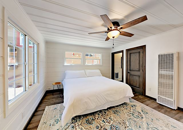 South Lake Tahoe CA Vacation Rental Modern and immaculate