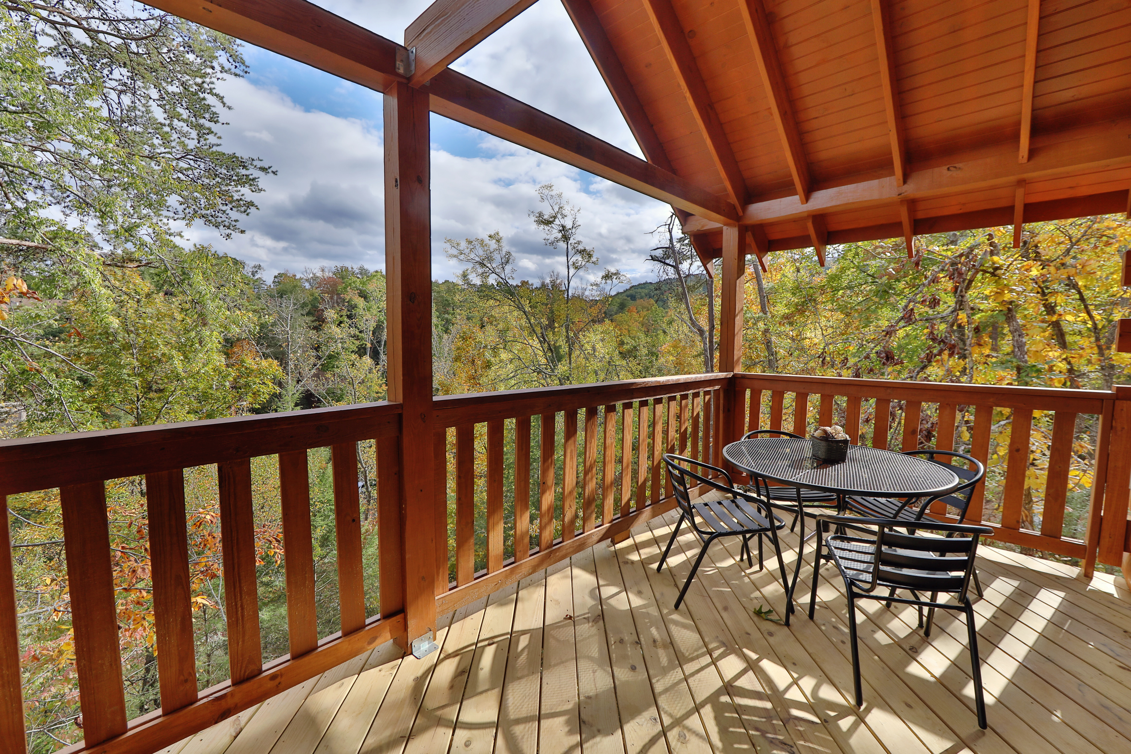 Pigeon Forge TN Vacation Rental Seating for 4