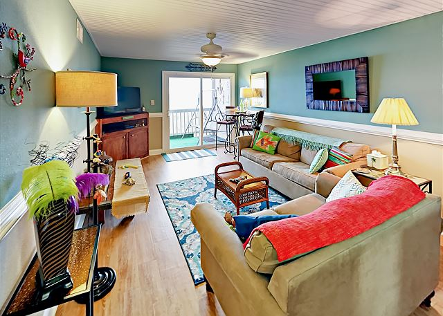 North Myrtle Beach SC Vacation Rental This bright and