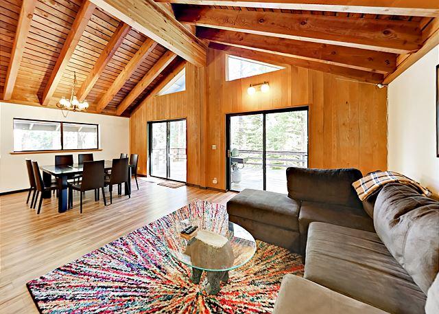 Homewood CA Vacation Rental The open-concept floor