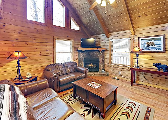 2BR Cabin w/ Hot Tub & Game Room