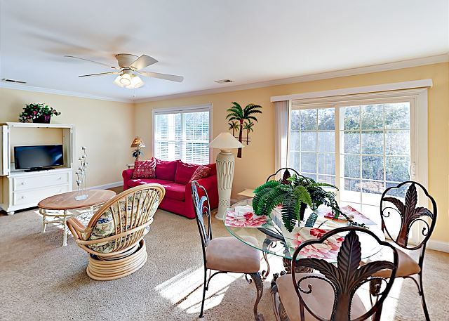 Surfside Beach SC Vacation Rental The ground-floor dining
