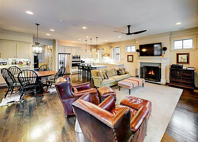 Nashville TN Vacation Rental An open-concept living