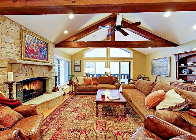 Eagle-Vail CO Vacation Rental Living room with