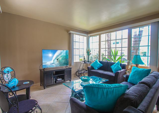Newport Beach CA Vacation Rental Striking sofa and