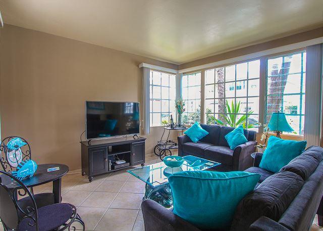 Newport Beach CA Vacation Rental Striking sofa and