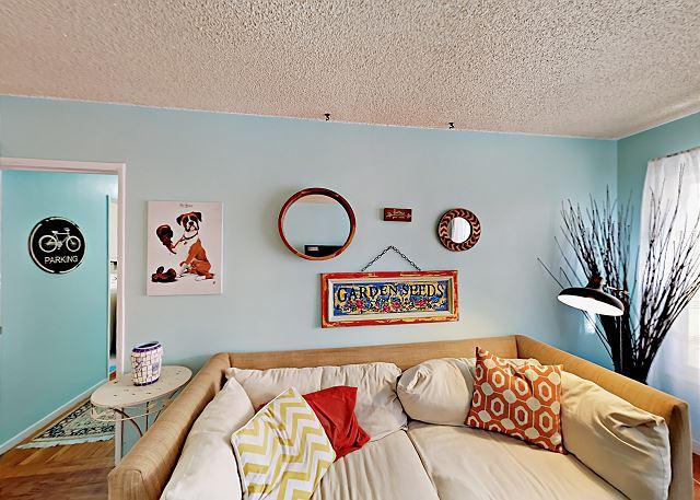 San Pedro CA Vacation Rental Inviting living area