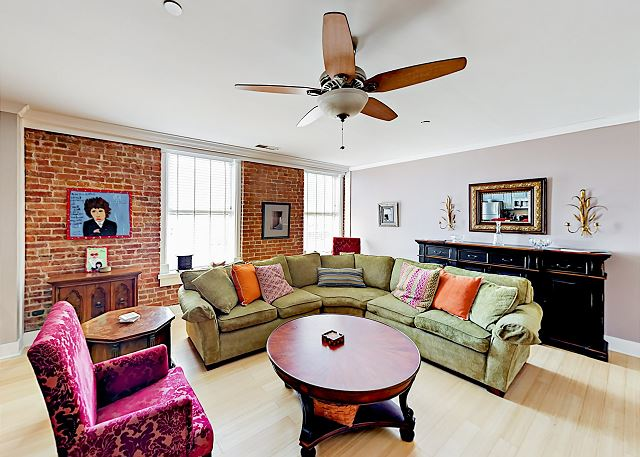 Nashville TN Vacation Rental Stylish condo on