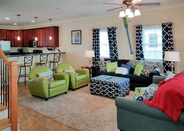 Myrtle Beach SC Vacation Rental Bright and colorful