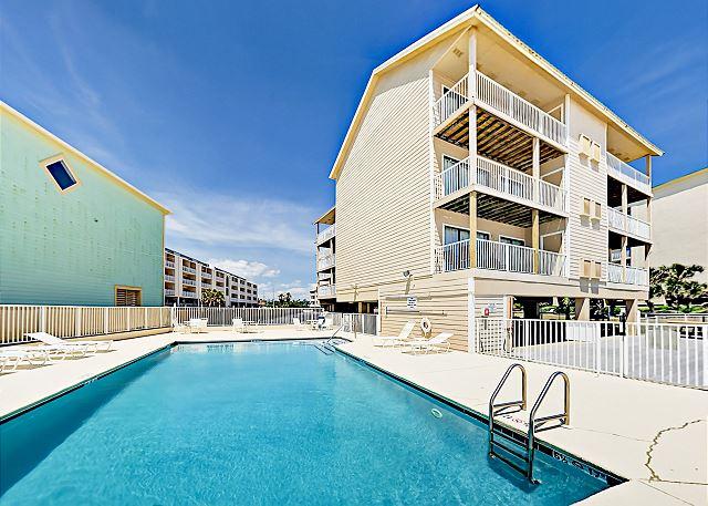 Orange Beach AL Vacation Rental This 3rd-floor condo