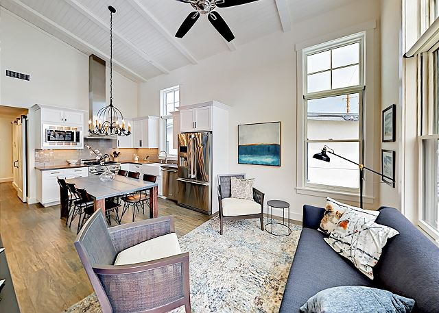 Corona Del Mar CA Vacation Rental Welcome! The open-concept