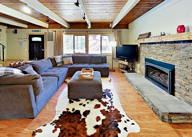 South Lake Tahoe CA Vacation Rental The L-shaped sofa