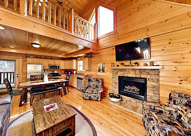 Sweet 2BR Mountain Cabin w/ Hot Tub