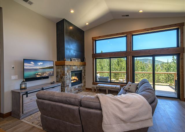 Truckee CA Vacation Rental Cuddle up in