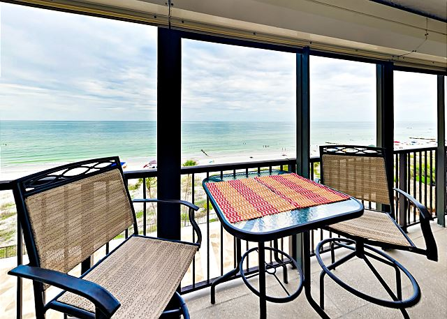 Madeira Beach FL Vacation Rental Cafe table for