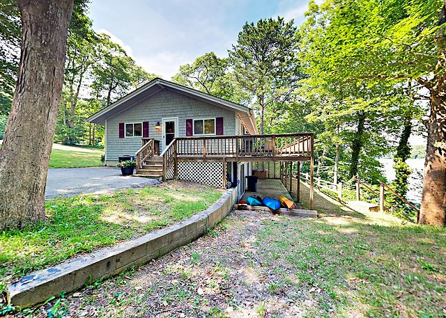 Mashpee MA Vacation Rental 3 kayaks for