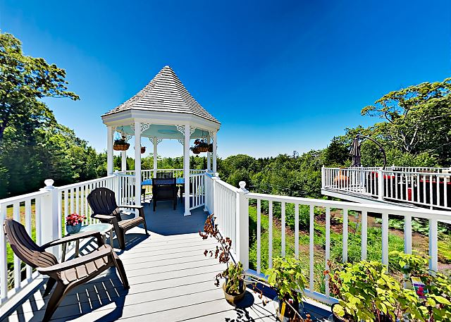 East Boothbay ME Vacation Rental The garden features