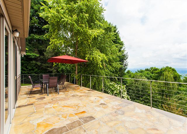 Hendersonville NC Vacation Rental Welcome to Hendersonville!