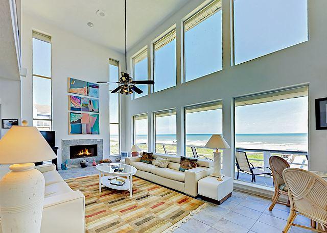 Galveston TX Vacation Rental Stunning living room