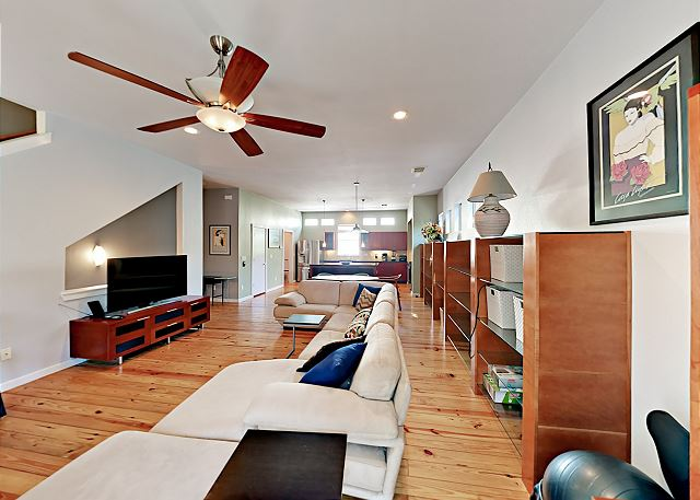 Austin TX Vacation Rental Stretch out on