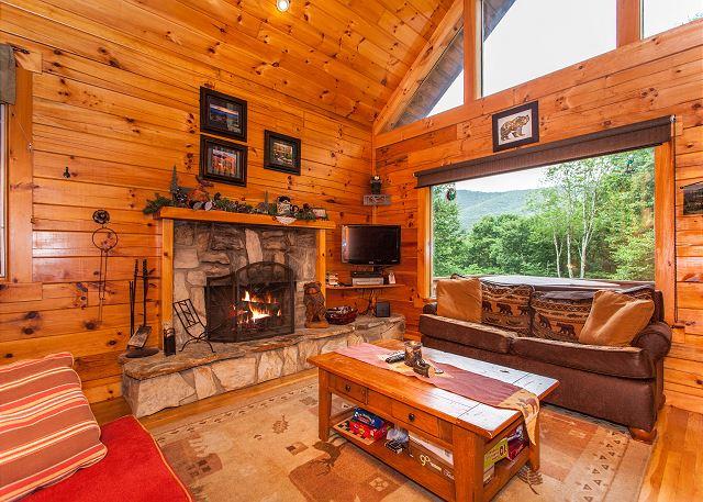 Maggie Valley NC Vacation Rental Main floor living