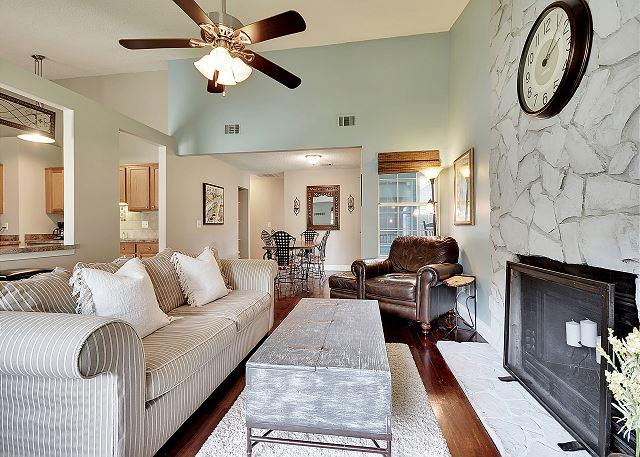 Mount Pleasant SC Vacation Rental Living room with