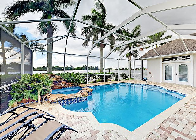 Cape Coral FL Vacation Rental Lounge the day