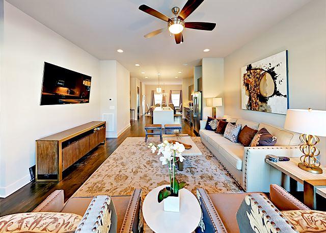 Nashville TN Vacation Rental Contemporary living room