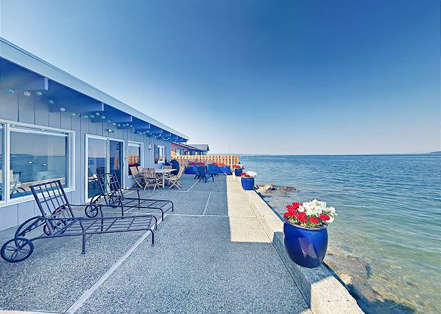 Camano Island WA Vacation Rental Al fresco dining