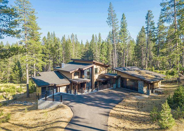 Truckee CA Vacation Rental Enjoy grand living