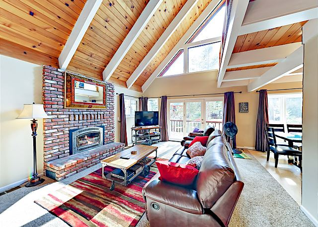 South Lake Tahoe CA Vacation Rental A handsome leather