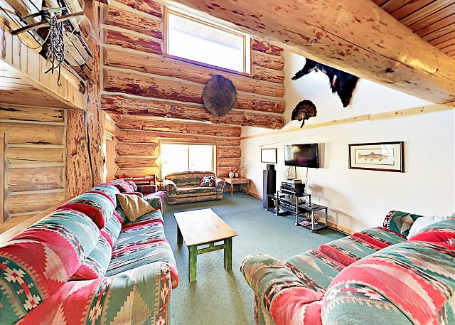 2 Mountain Lodges for Large Groups – Sleeps 40!