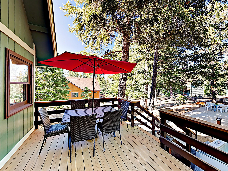 Big Bear Lake CA Vacation Rental Savor meals on