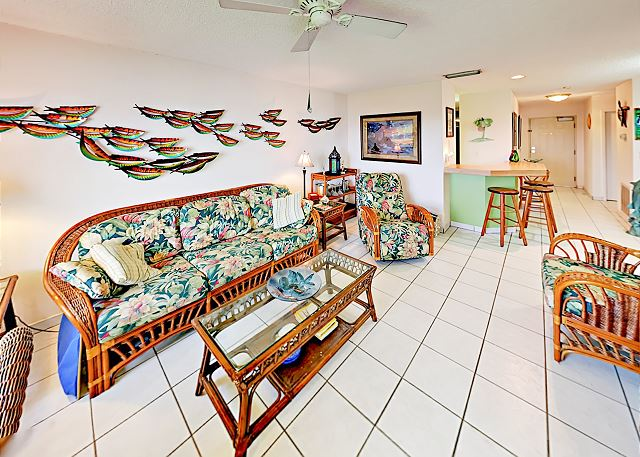 Tierra Verde FL Vacation Rental A couch and